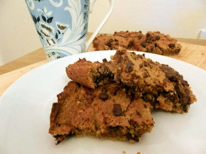 healthy flourless chickpea chocolate chip blondies recipe 3