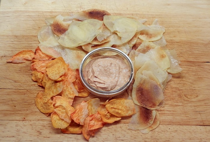 healthy onion and garlic crips chips dip sauce greek yoghurt2