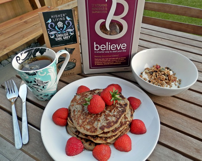healthy breakfast ideas for summer - pancakes, granola greek yoghurt