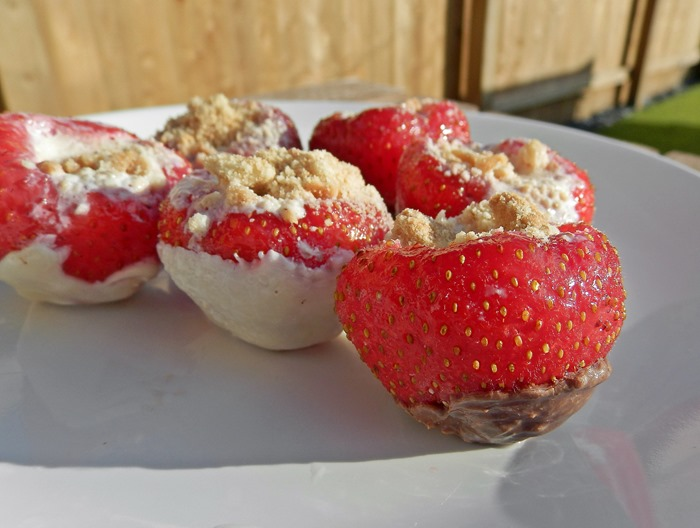 healthy strawberry cheesecake bites 10