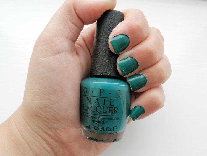 OPI Amazon Amazoff nail varnish 1