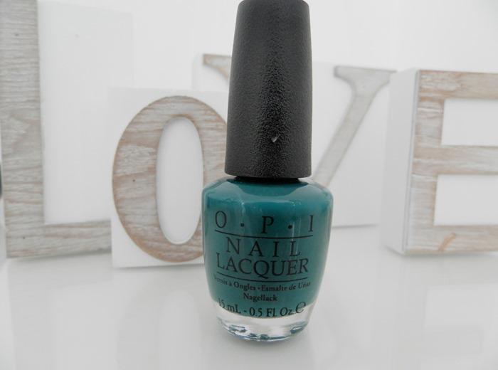 OPI Amazon - Amazoff nail varnish review
