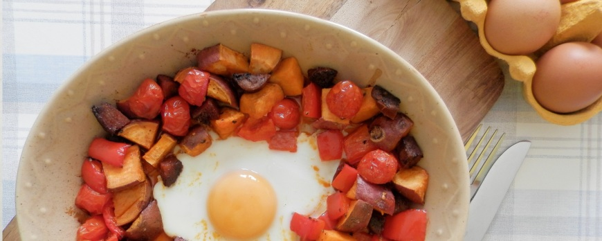 blog-pepper sweet potato chorizo breakfast dish whole 30